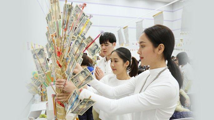 คณะผู้บริหาร-นักแสดงช่อง 3 ร่วมงานทอดกฐินสามัคคี วัดพุทธเดชมงคล มัสสึโมโต้ ประเทศญี่ปุ่น