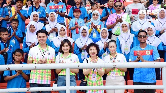 คณะ ร.ร.ราชประชานุเคราะห์ จ.นราธิวาส ร่วมฉลองครบรอบ 49 ปีไทยทีวีสีช่อง 3